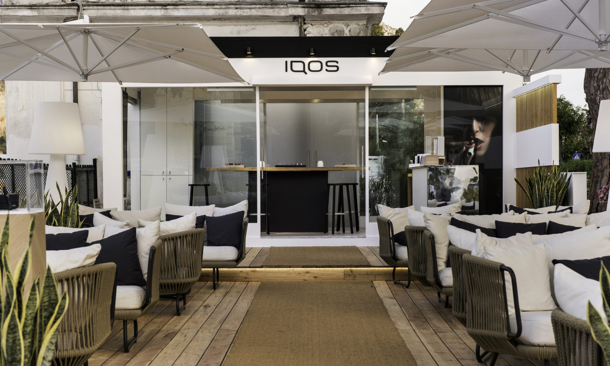 IQOS Lounge Mondello, l'estate firmata IQOS